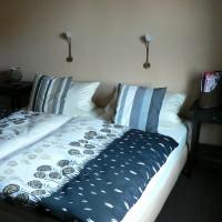 eins der Schlafzimmer